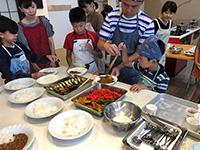 親子で作ろう夏野菜たっぷりカレー教室01